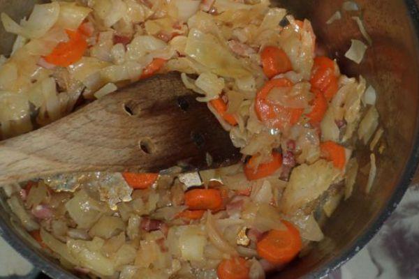 Recette Chou braisé et carottes aux lardons