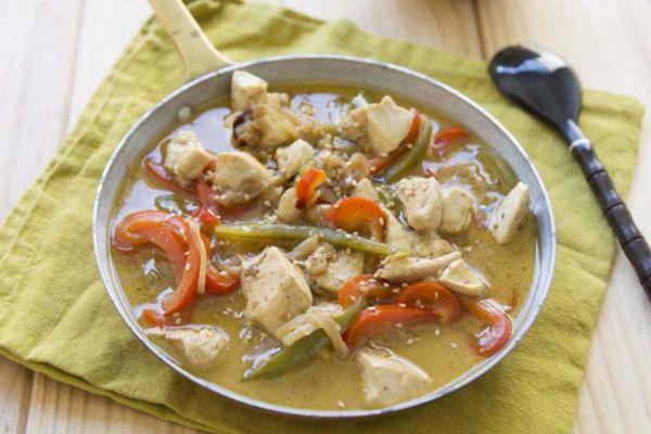 Recette  Wok de poulet au lait de coco et poivrons