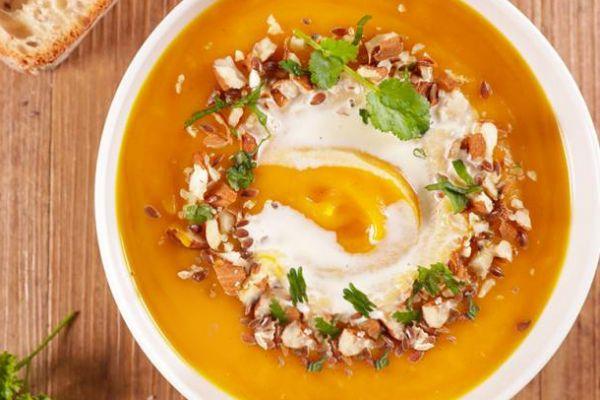 Recette Velouté a la carotte au curcuma et fromage frais de Cyril Ligna
