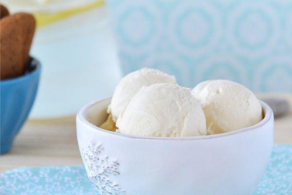 Glace à la vanille au lait concentré