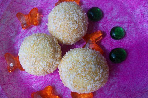 Recette boules de coco et confiture