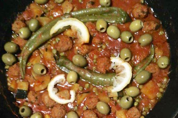 Recette Tagine boulettes de viande hachée petits pois et olives vertes