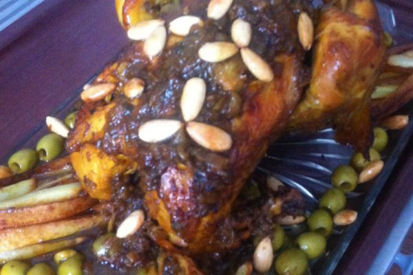 Poulet rôti amandes/frites/olives
