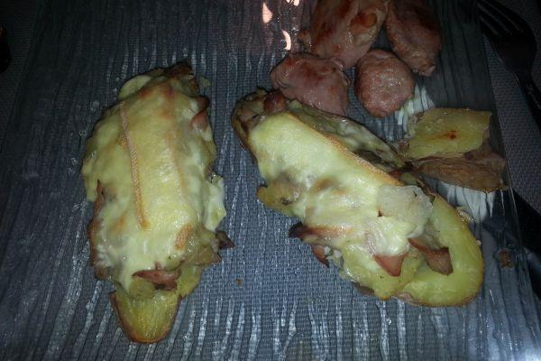 Pommes de terre crusées au fromage à tartiflette