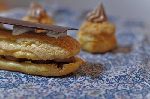 Recette Eclairs au Chocolat et Noisettes Caramélisées