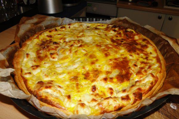 Feuilleté au fromage frais et oignons